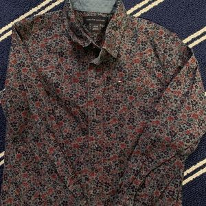 Tommy Hilfiger boys button down 4t
